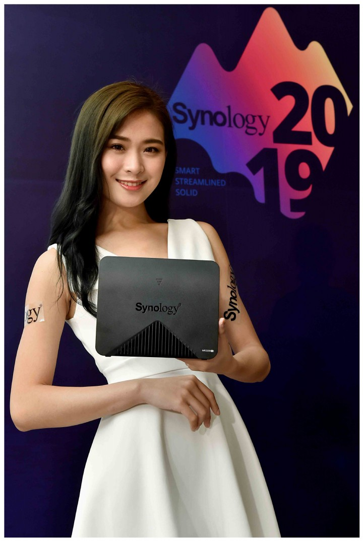 Synology 推出首款 Mesh Router MR2200ac